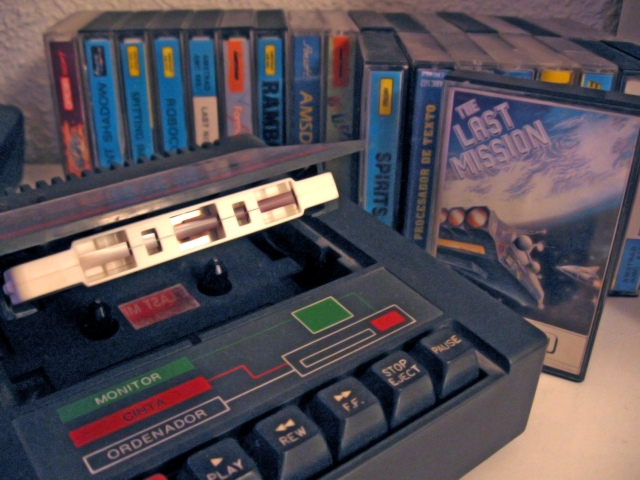 Amstrad_CPC_cassette_deck.jpg